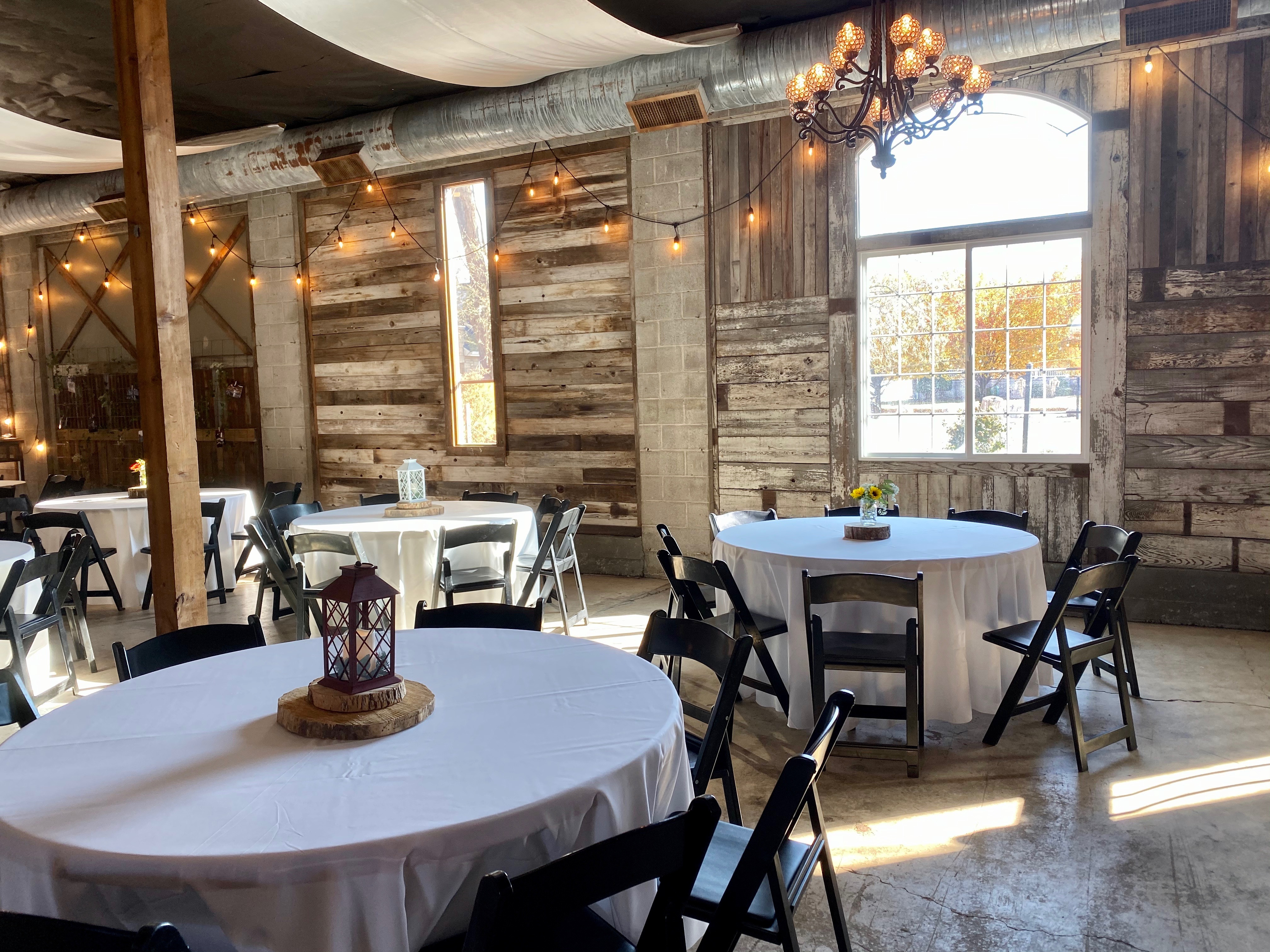 Hideaway On Angel Wedding and Event Venue Tables